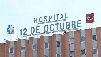 Atacan con un extintor a un furgón que trasladaba a un preso al hospital