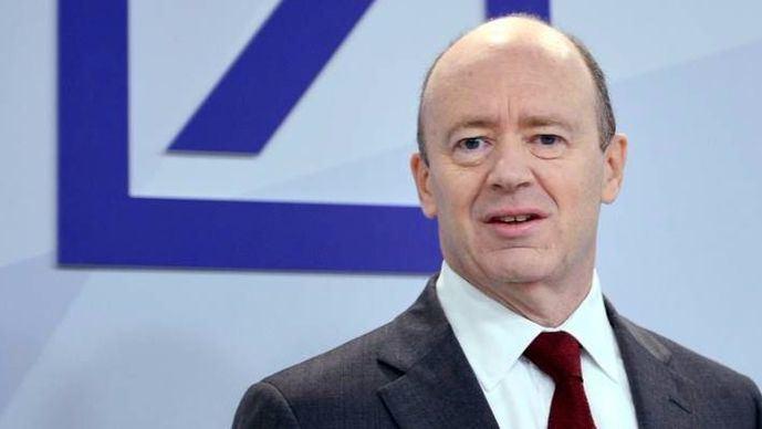 El consejero delegado de Deutsche Bank sugiere el recorte de miles de empleos