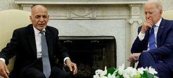 El presidente afgano Ashraf Ghani Ahmadzai y el líder norteamericano Joe Biden.
