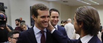 Aznar vuelve del exilio para defender al PP