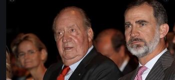 El rey Felipe VI y su padre Juan Carlos I.