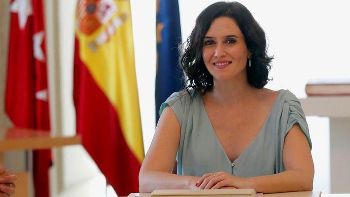Isabel Díaz Ayuso, presidenta de la Comunidad de Madrid, ejerciendo de jefe de la oposición a Sánchez