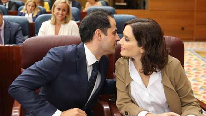 Ignacio Aguado e Isabel Díaz Ayuso en la Asamblea de Madrid