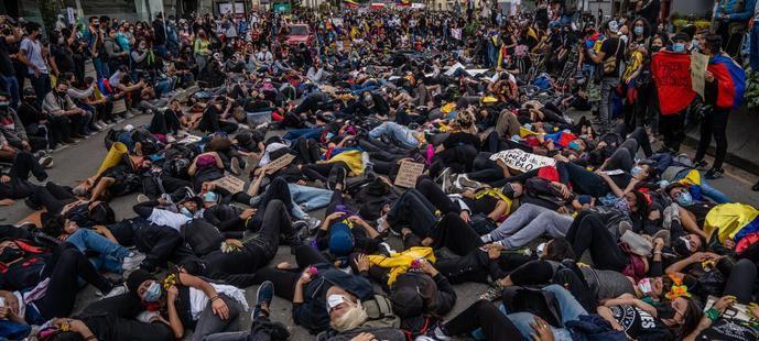 Manifestantes contra Iván Duque en Bogotá.