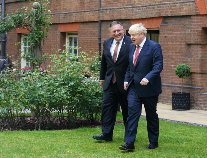 Boris Johnson con el secretario de Estado norteamericano Mike Pompeo.