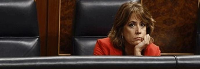 Cerco a Delgado: 'Es un zombi, es culpable, váyase'