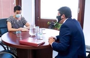 Arancha González Laya y el ministro principal de Gibraltar, Fabián Picardo.
