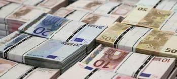 El Tesoro coloca 4.676 millones a tipos negativos récord tras las elecciones en Francia