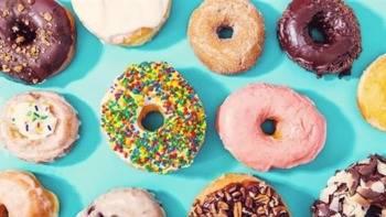 ¿Qué alimentos tienen más azucares y grasas saturadas?