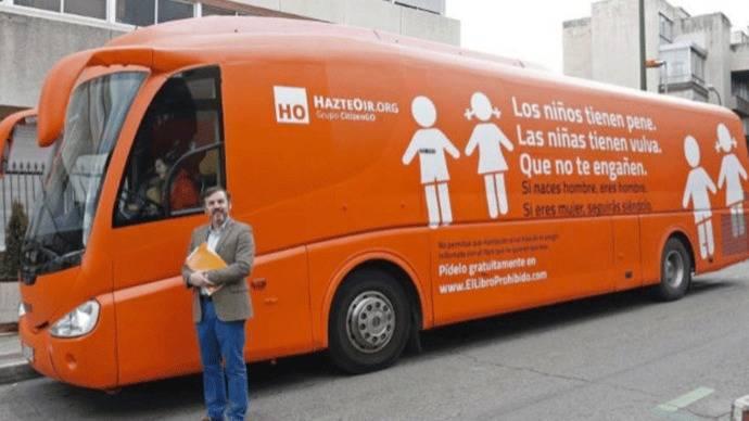Hazte Oír regresa con el bus de la discordía y con campaña 'vía aérea'