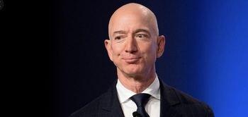 Jeffe Bezos el hombre de Amazon y del Washington Post.