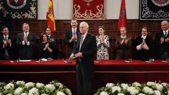 Mendoza, Premio Cervantes: 'Perplejo y atemorizado' de como va el mundo