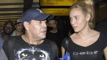 La novia de Maradona, sin 'nada que decir' a la policía tras el incidente del hotel