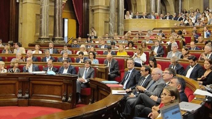 Fiscalía se querella contra los miembros de la Mesa que han apoyado la Ley de Referéndum