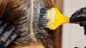 Teñirse el pelo de oscuro aumenta el riesgo de cáncer de mama