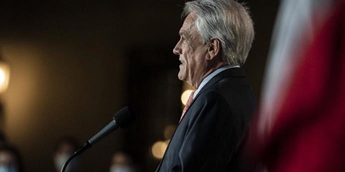 Sebastián Piñera acepta el resultado de la consulta en la misma noche de la votación.