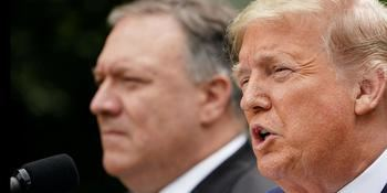 Mike Pompeo y Donald Trump.