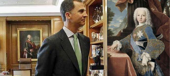Tras convertirse en Rey en el año 2014, Felipe VI cambió el cuadro que presidía el despacho de su padre, el de Felipe de Borbón Parma (a la derecha) por el de Carlos III.