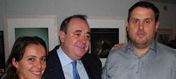 Oriol Junqueras y el ex líder del Partido Nacionalista Escocés, Alex Salmind, en Bruselas en 2009.
