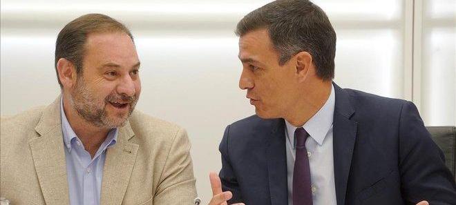 Sánchez: unir Ministerios y Abalos a controlar el PSOE