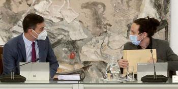 Pedro Sánchez y Pablo Iglesias en el último Consejo de ministros.