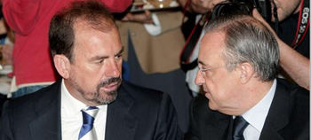 El presidente del Getafe, Angel Torres, con Florentino Pérez.