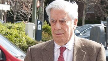Vargas Llosa, hospitalizado tras una caída en su domicilio