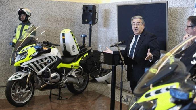 Tráfico estrena esta Seman Santa 291 patrullas integrales con `mini-radares´ móviles